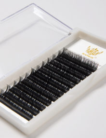 Premium-Silk-Eyelashes-Detail-1